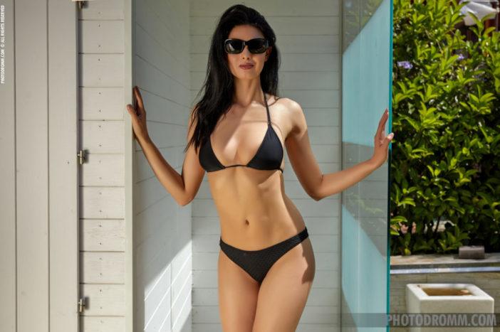 Clio Big Boobs in a Black Bikini for Photodromm
