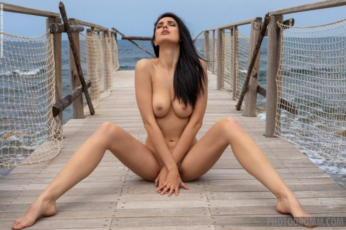 Clio Naked Boobs Walking on the Pier for Photodromm