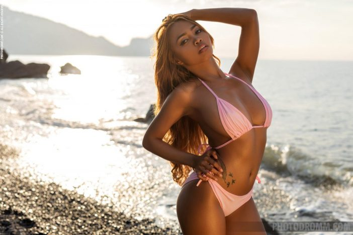 Cruzlyn Big Tits in Sexy Pink Bikini  for Photodromm