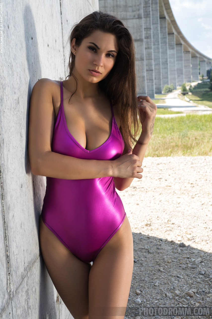 Faith Big Boobs in Tight Purple Swimsuit and High Heels for Photodromm