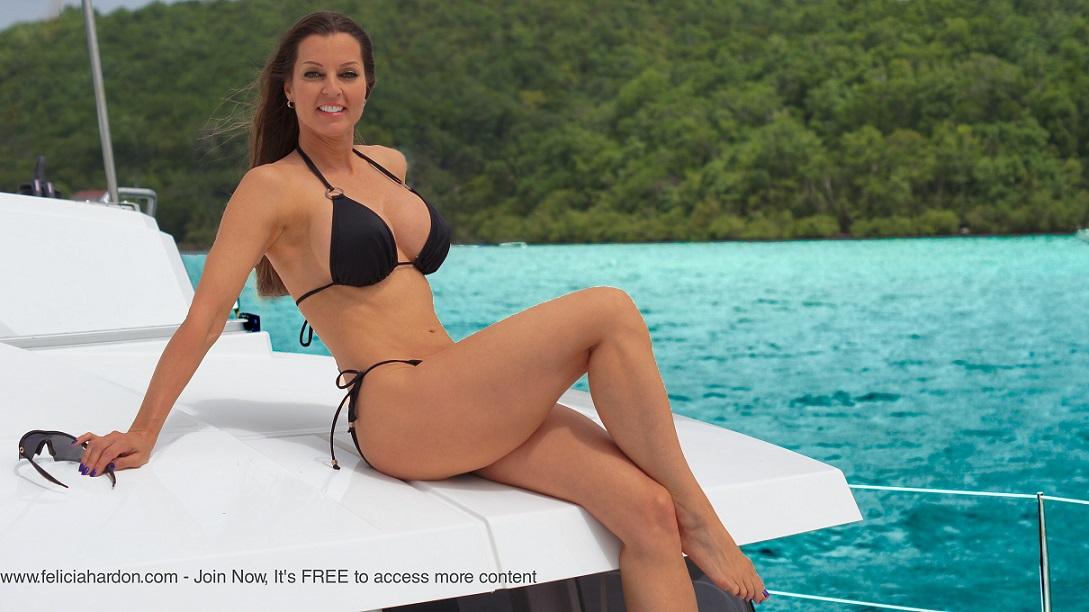 Felicia Hardon Big Tits Bikini Babe