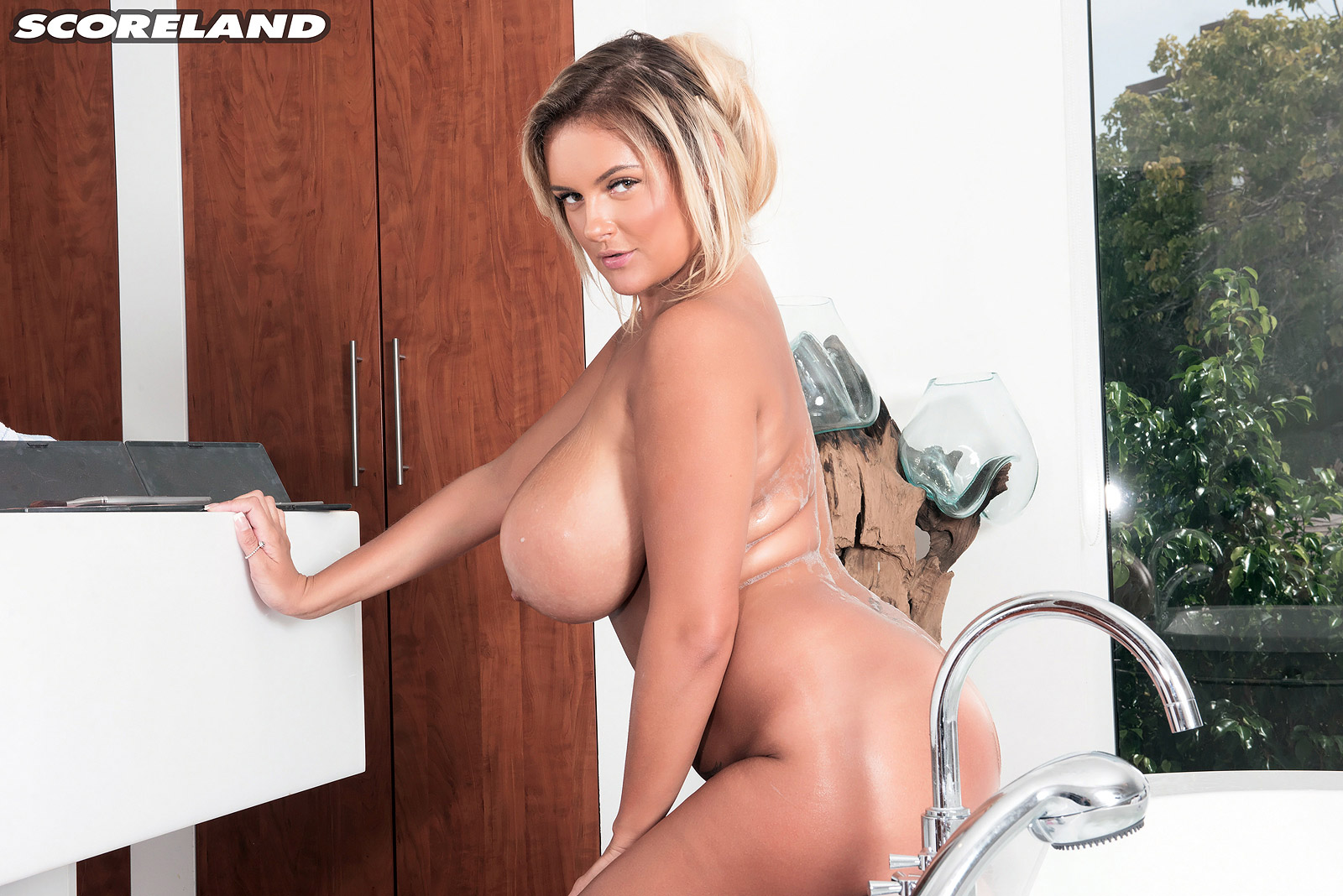 Katie Thornton Huge Breasts Personal Care Bathtime