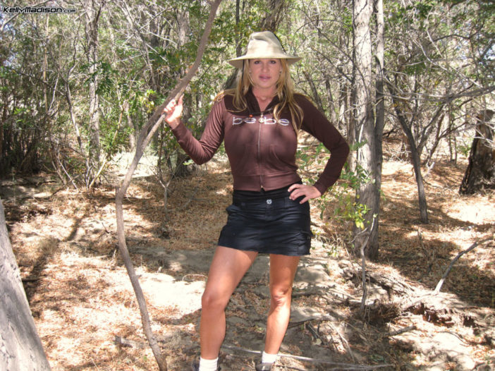 Kelly Madison Huge Boob Come Out in the Outback