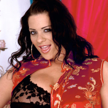 Linsey-Dawn-McKenzie-Huge-Boobs-Black-Lacy-Bra