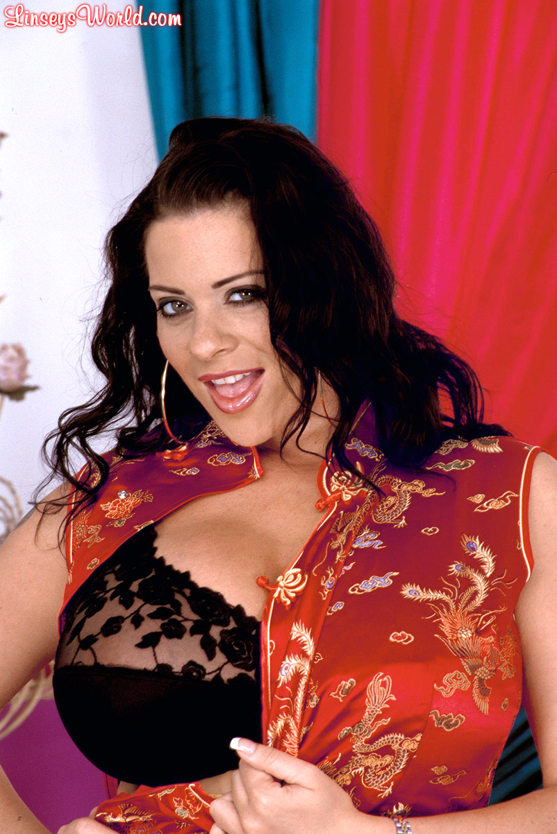 Linsey Dawn McKenzie Huge Boobs Black Lacy Bra