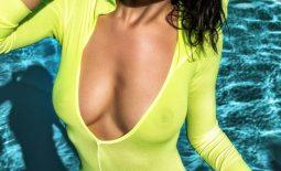 Nadine Big Naked Tits Get Wet  for Photodromm