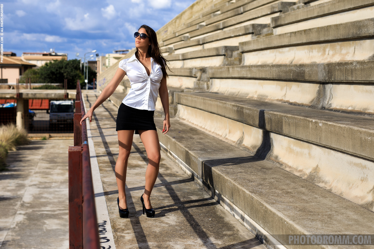 Savannah Big Boobs in Tight Shirt, Miniskirt and High Heels for Photodromm